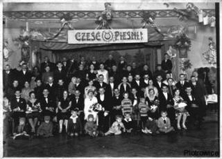 Ślub Teofila Pilch i Jadwigi Limański - goście weselni i chór Jutrzenka