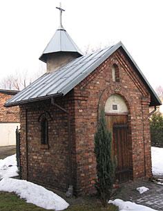 Kaplica z zewnątrz. Zdjęcie za pozwoleniem właściciela posesji