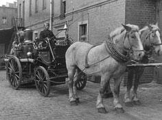 Konny wóz strażacki