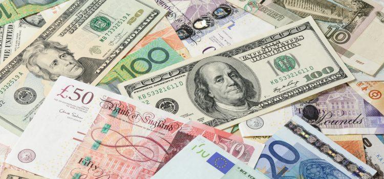 Jak bezpiecznie i tanio kupować waluty? Kantory internetowe