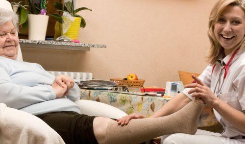 Opiekun medyczny – zawód niedoceniany, a potrzebny