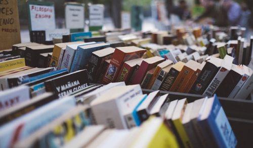 Gdzie sprzedać książki? Lista 5 popularnych antykwariatów w Katowicach